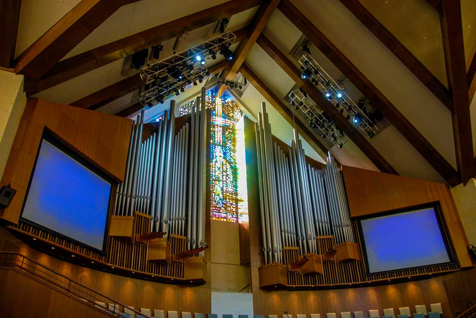 Tallowood Baptist Church sanctuary video projection screens