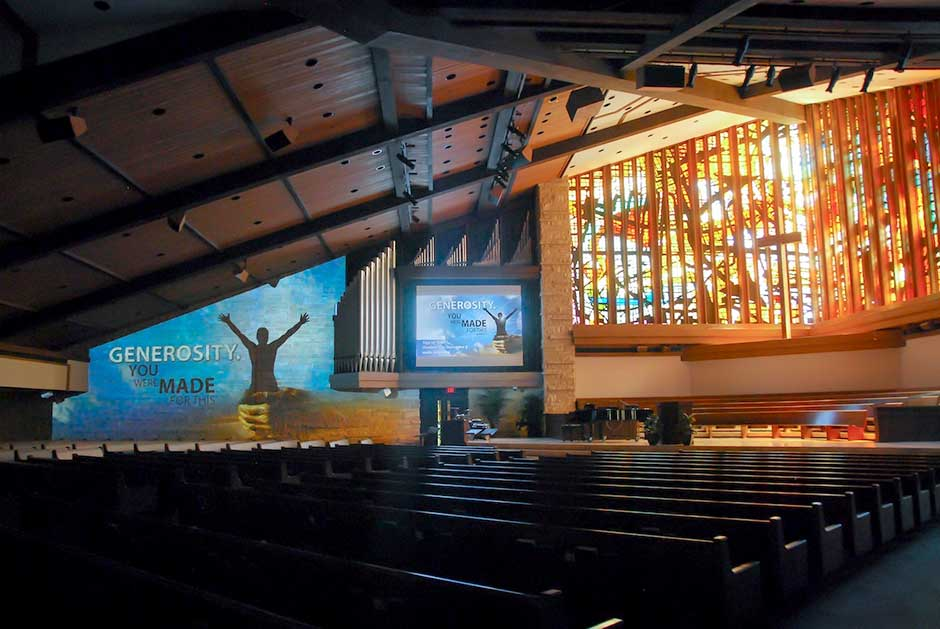 Memorial Drive Presbyterian Church video projection and large format video projection surface