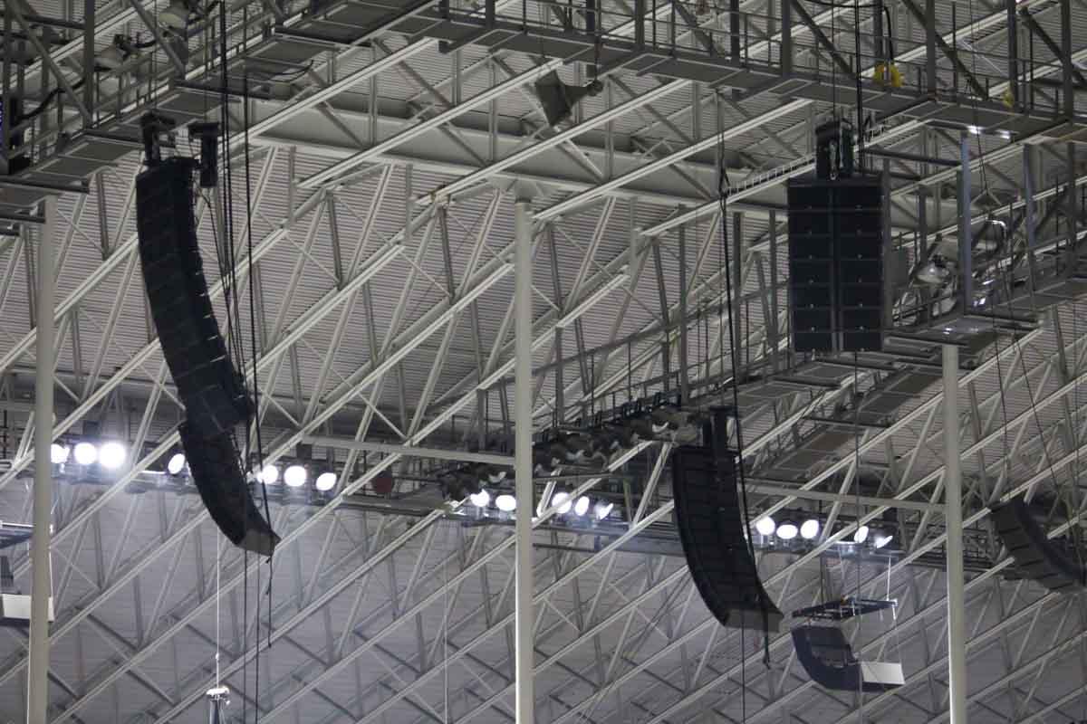 Alamodome ceiling L-Acoustics k2 audio speaker array