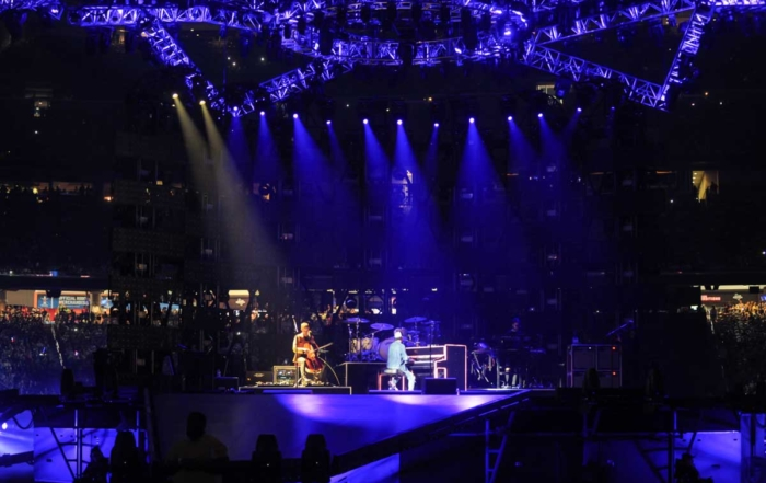 LD Systems&#8217; High End Systems <br>LED SOLA Series Rides The Rig At RodeoHouston