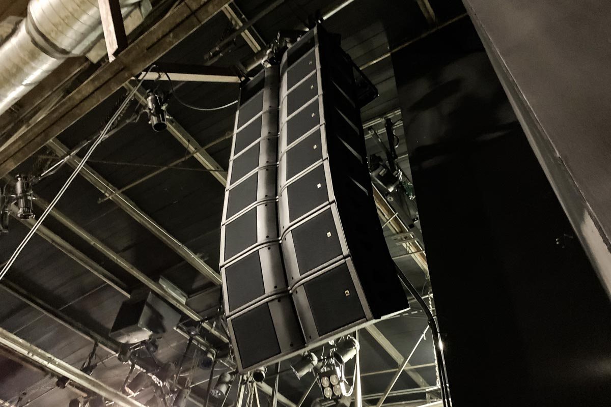 Warehouse Live stage left L-Acoustics Karai audio speaker array