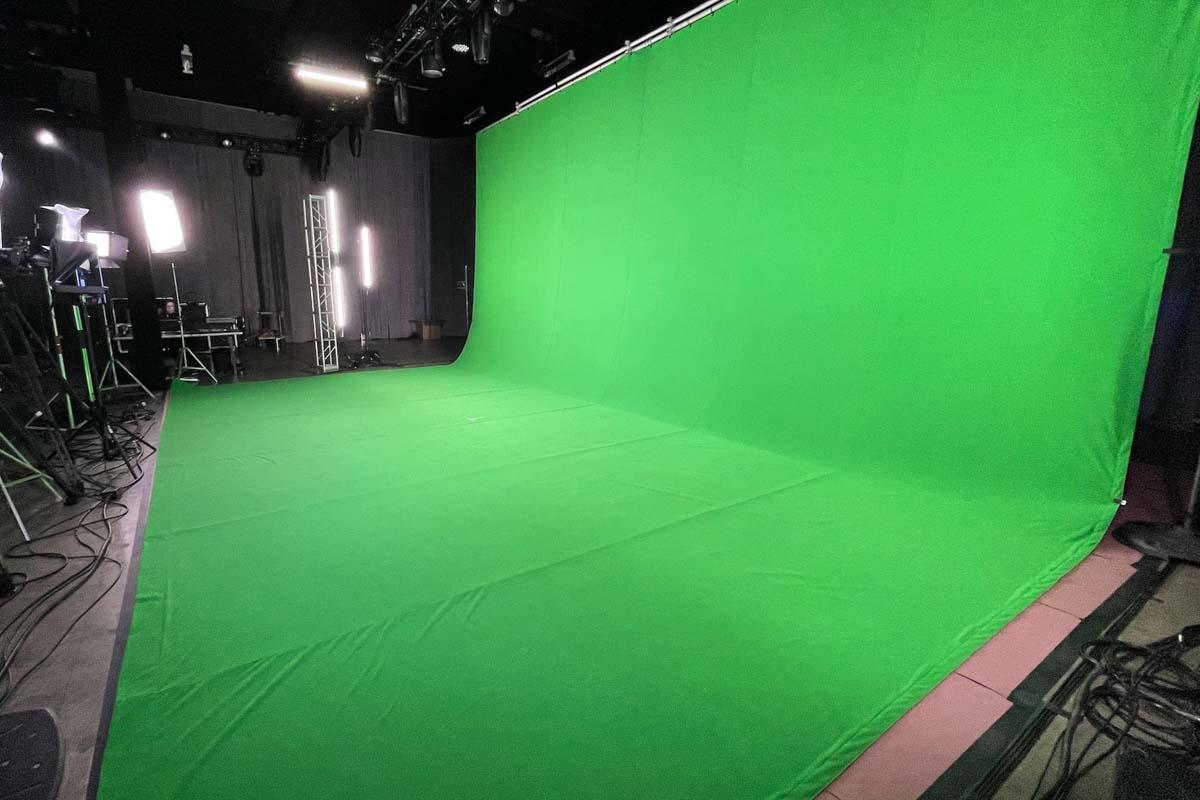 Large Green Screen
