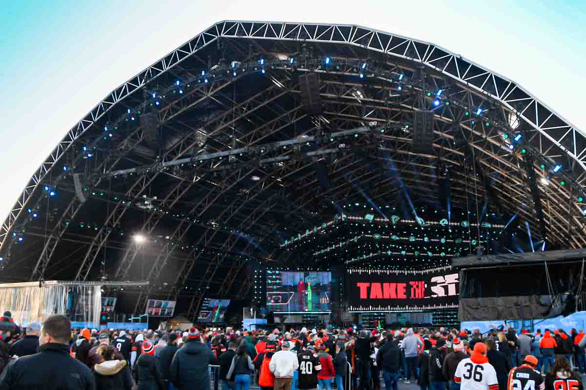 NFL Draft Theater Structure