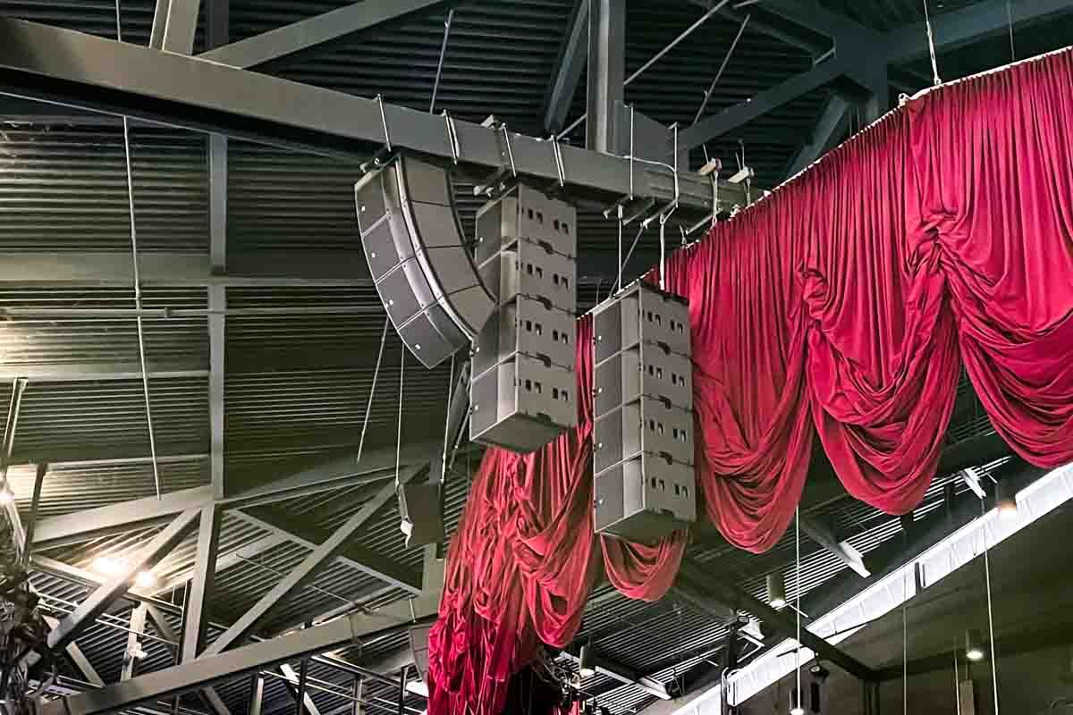 Sea World San Antonio Nautilus Amphitheater speaker array rigging