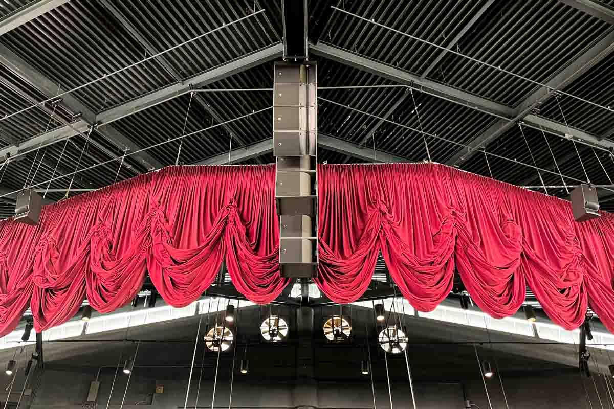 Sea World San Antonio Nautilus Amphitheater center speaker array