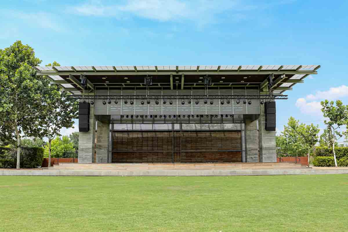 Buffalo Bayou Park Outdoor Stage and Lawn