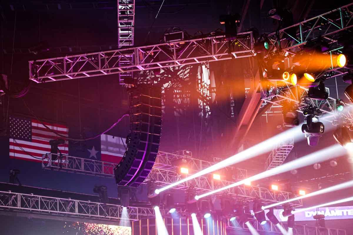 Live event speaker array